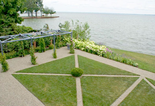 Grosse Pointe  Garden at Detroit International APLD Conference