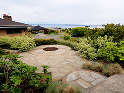 The stone patio is made of three overlapping circles